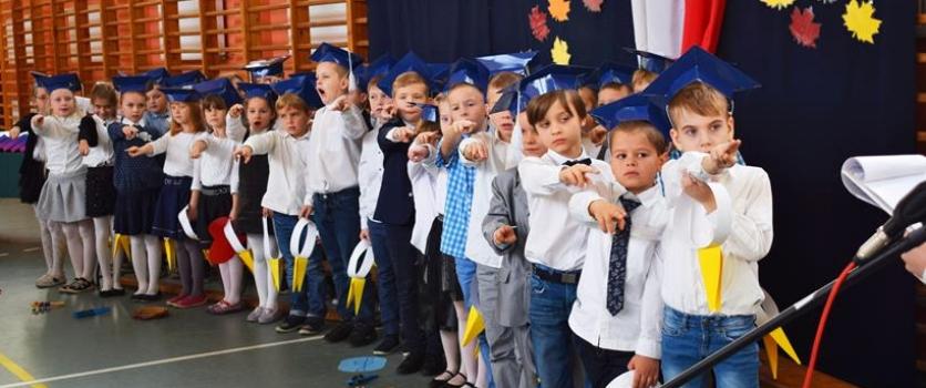 Klasy 1A i 1B pasowane na uczniów Szkoły Podstawowej nr 46