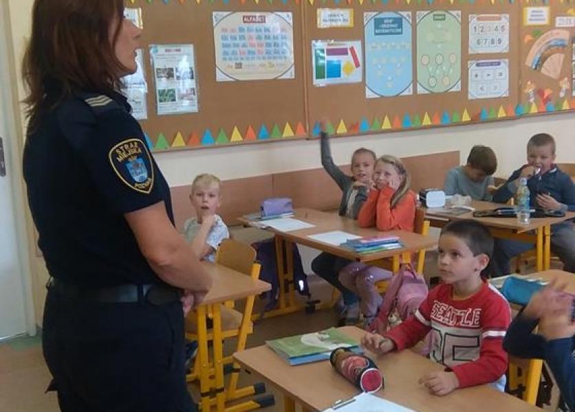 Odwiedziny Straży Miejskiej w klasie 2b