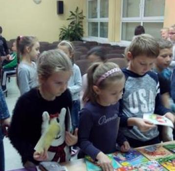 Spotkanie autorskie w bibliotece szkolnej