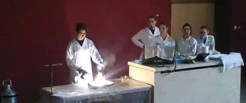 POKAZY  CHEMICZNE  NA  POLITECHNICE  POZNAŃSKIEJ – klasa 2a