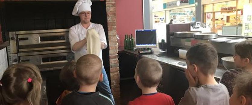 Warsztaty robienia pizzy